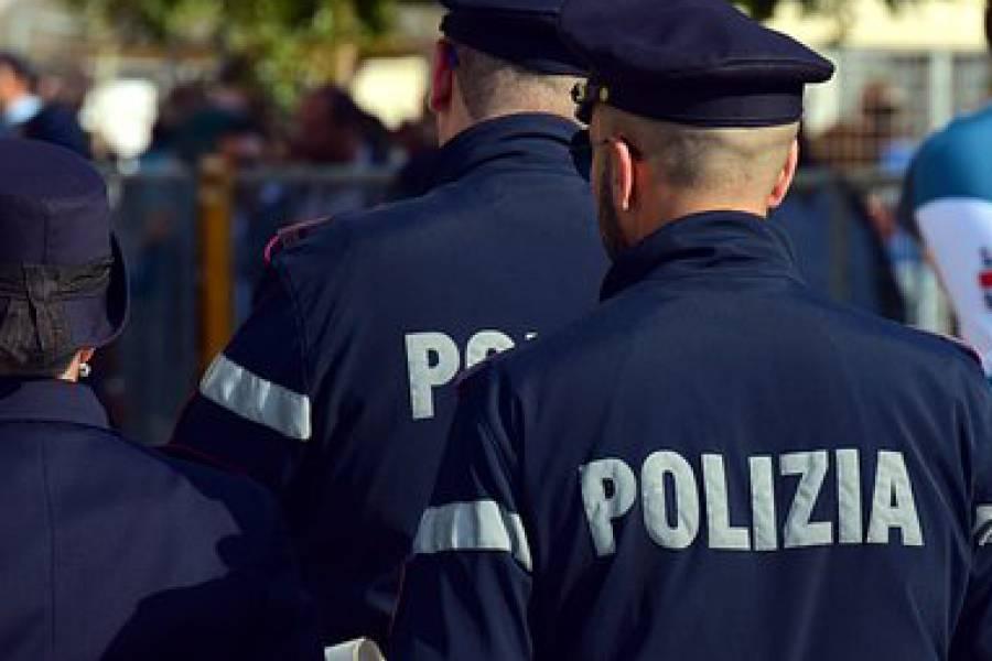 Napoli, arrestata 31enne georgiana: drogava gli uomini e poi li derubava alla stazione