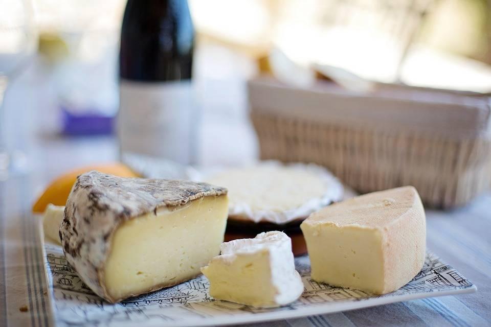 """Lo studio: """"Mangiare formaggio allunga la vita"""""""