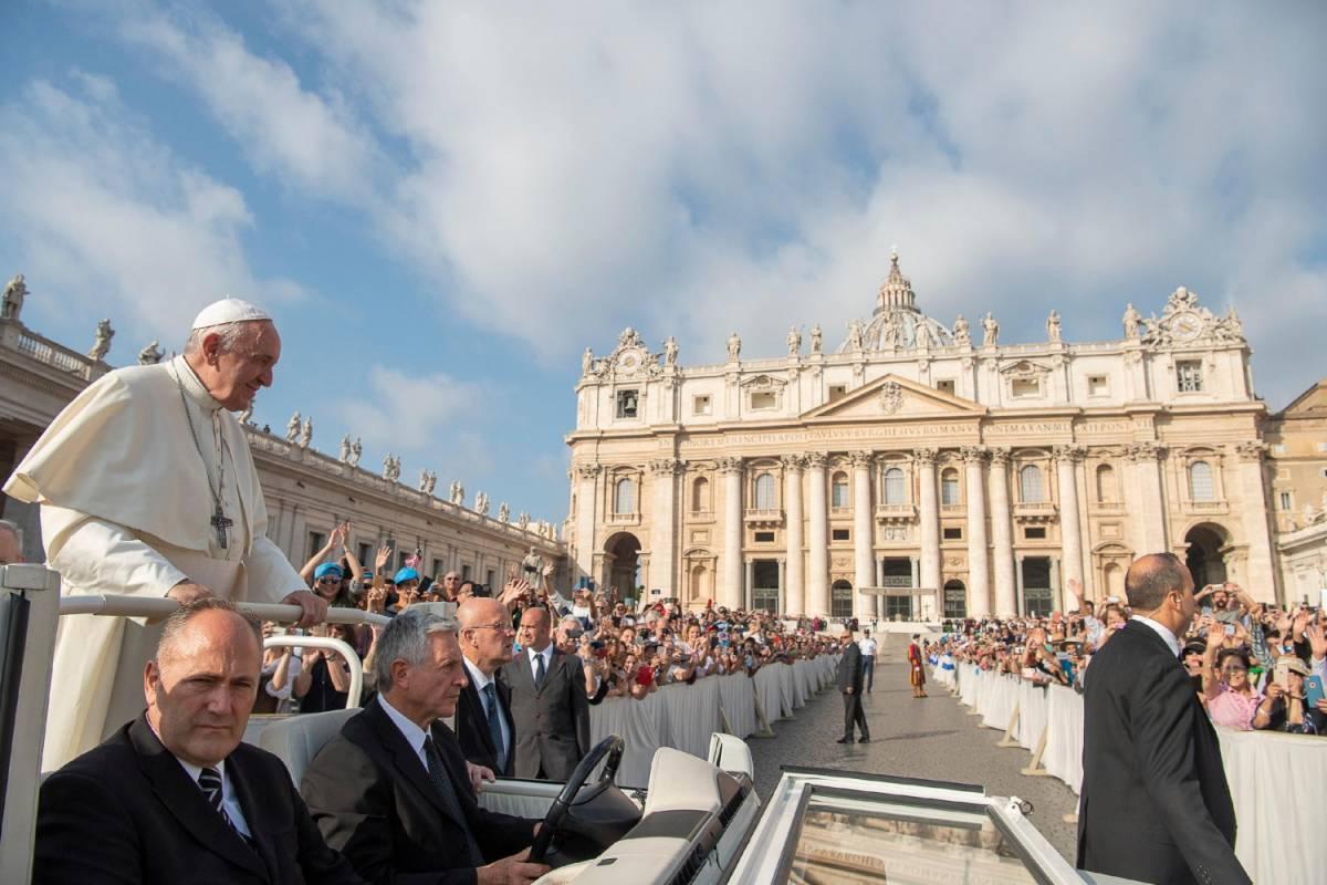 """Vaticano, ora si scatena la """"guerra"""" al vertice dei sacri palazzi"""