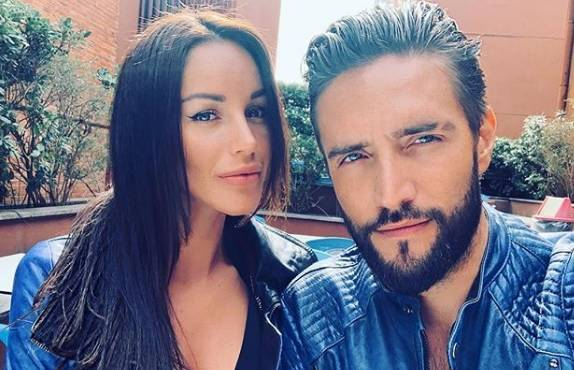 Alex Belli e Delia Duran aggrediti dall'ex fidanzato della modella venezuelana