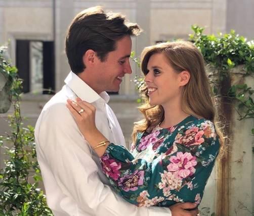 """L'indiscrezione: """"Pincipessa Beatrice sceglie nozze low-profile a causa del principe Andrea"""""""
