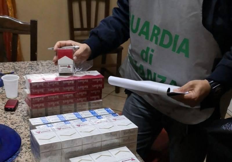 Sgominata una banda di contrabbandieri di sigarette con il reddito di cittadinanza
