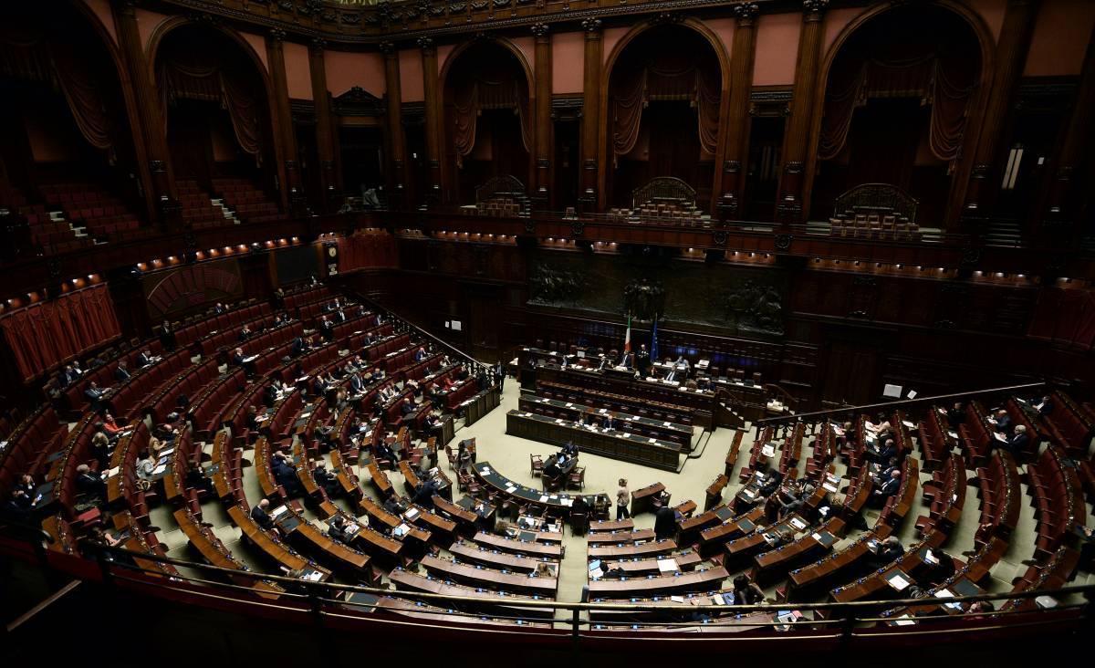 Taglio vitalizi, tornano i privilegi per gli ex parlamentari