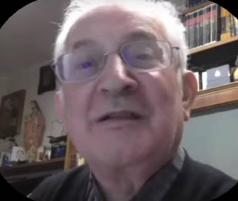 """Condannato il prete anti Salvini: """"Multa e danni per gli insulti"""""""