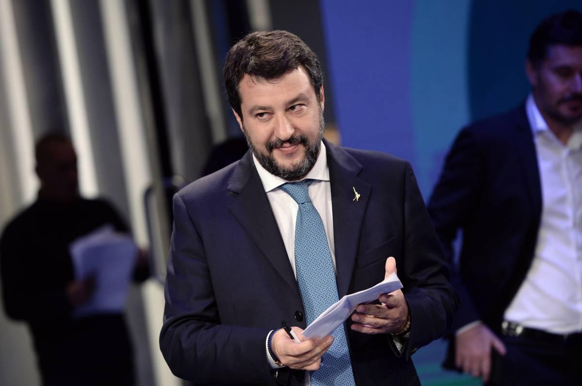 """Salvini riforma la scuola: """"Le medie vanno abolite"""""""