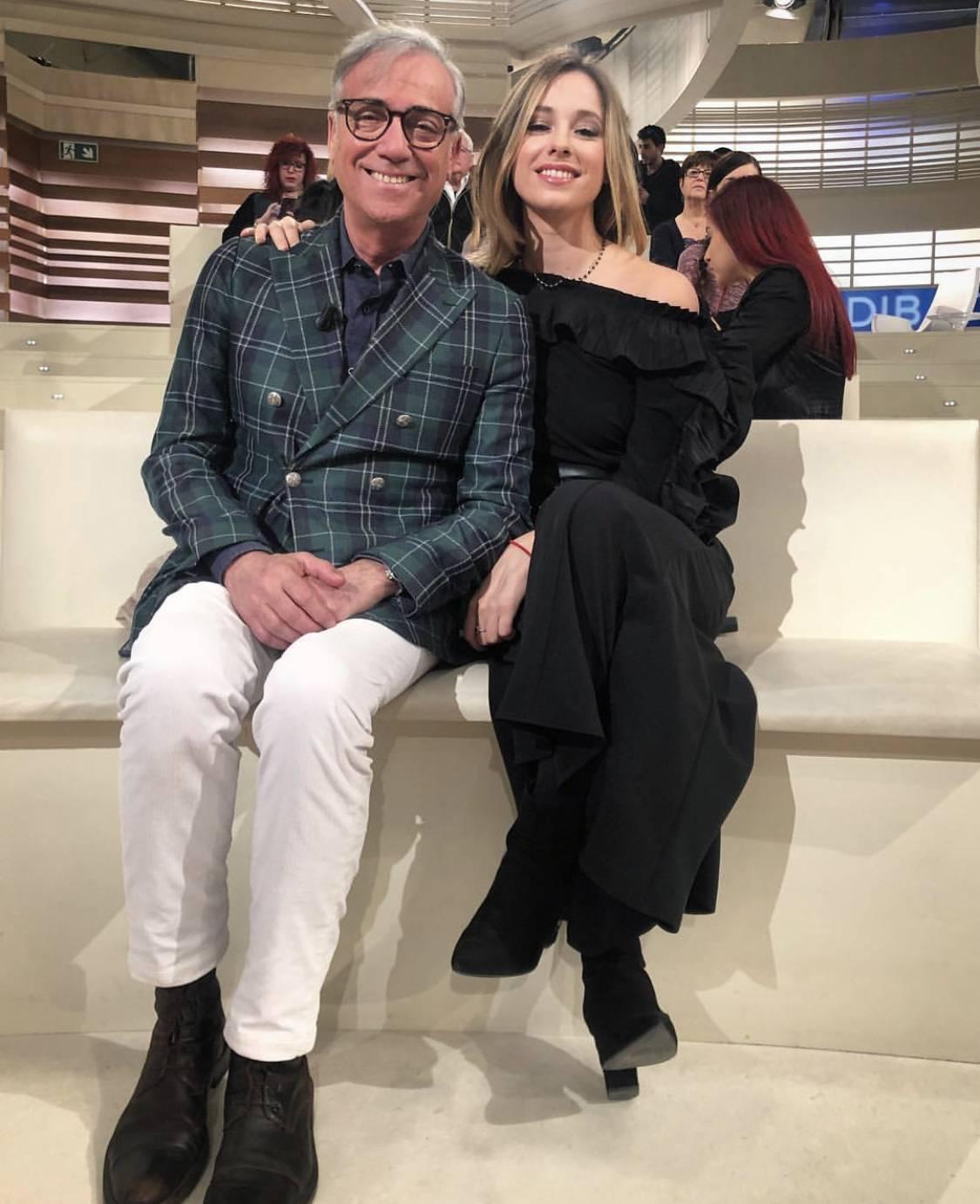"""Camilla Ghini tra radio e tv: """"Mai un favore da papà Massimo"""""""