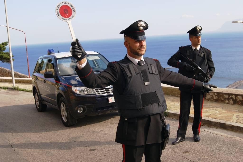 Da Napoli a Zocca per vedere la casa di Vasco: denunciati