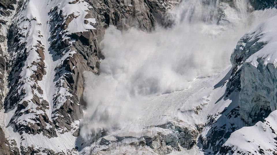 Domenica nera sulle Alpi: tre morti per le valanghe