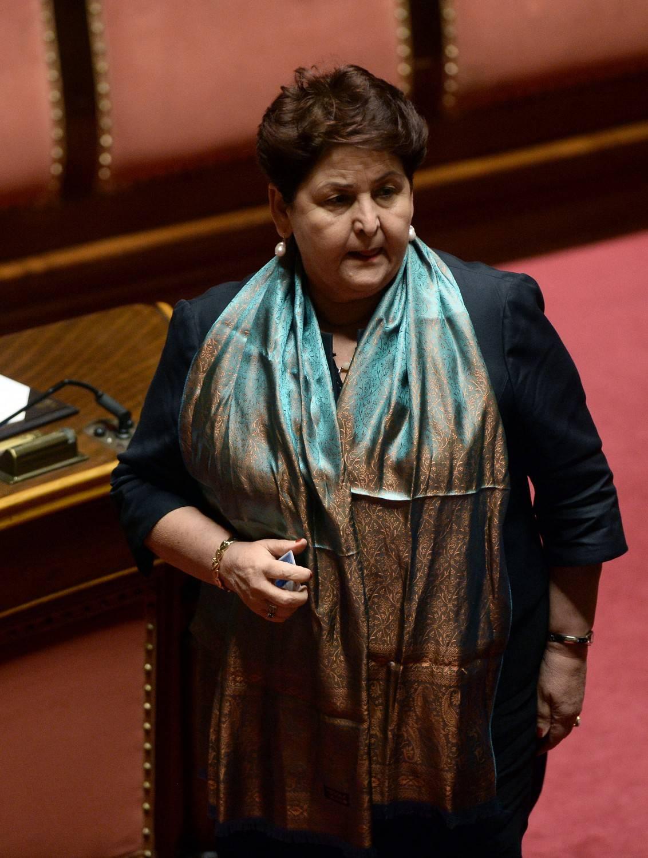 Bellanova piange per i clandestini ma non ha lacrime per tutti gli italiani rovinati dalla crisi