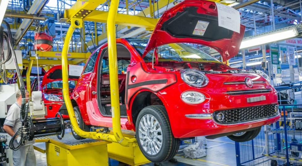 Auto, in Europa maggio -56,8%. E l'Antitrust insiste su Fca-Psa