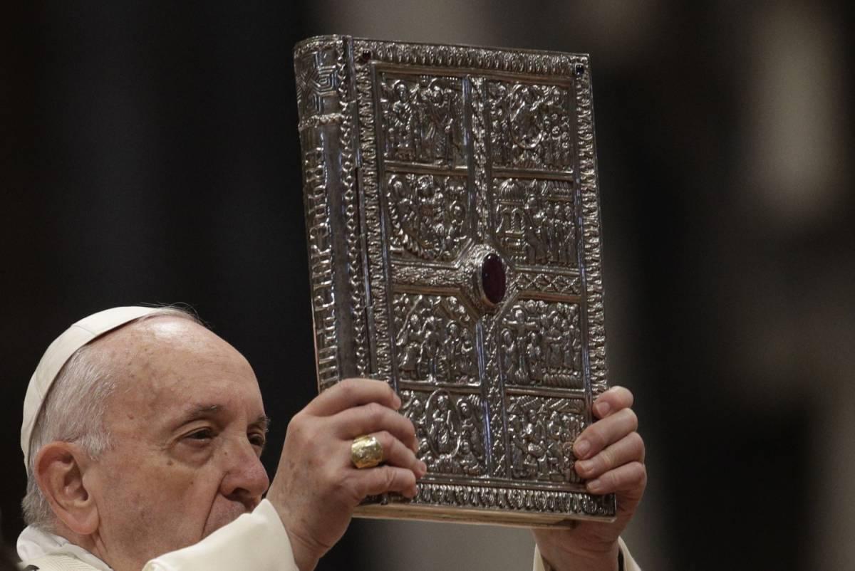 """Bassetti choc sui critici di Bergoglio: """"Scegliete altre strade"""""""