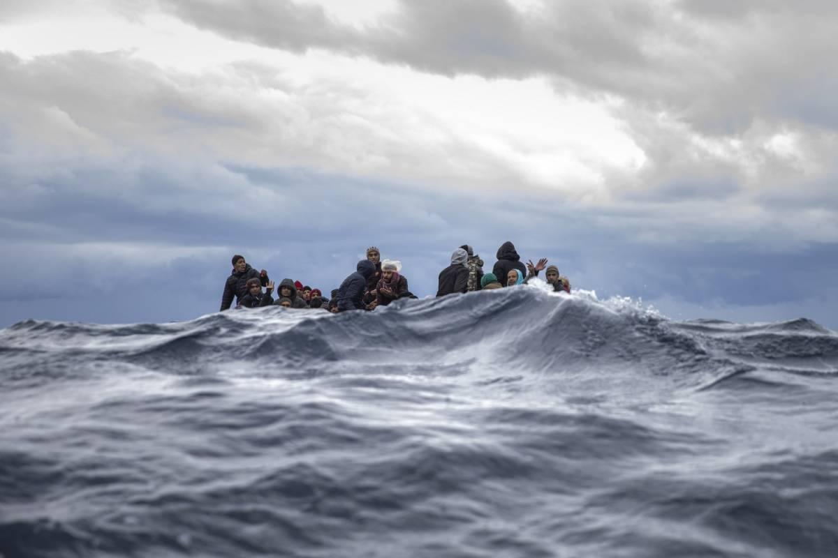 """L'esodo dei migranti dalla Libia: """"In 4 giorni partiti in 1.500"""""""