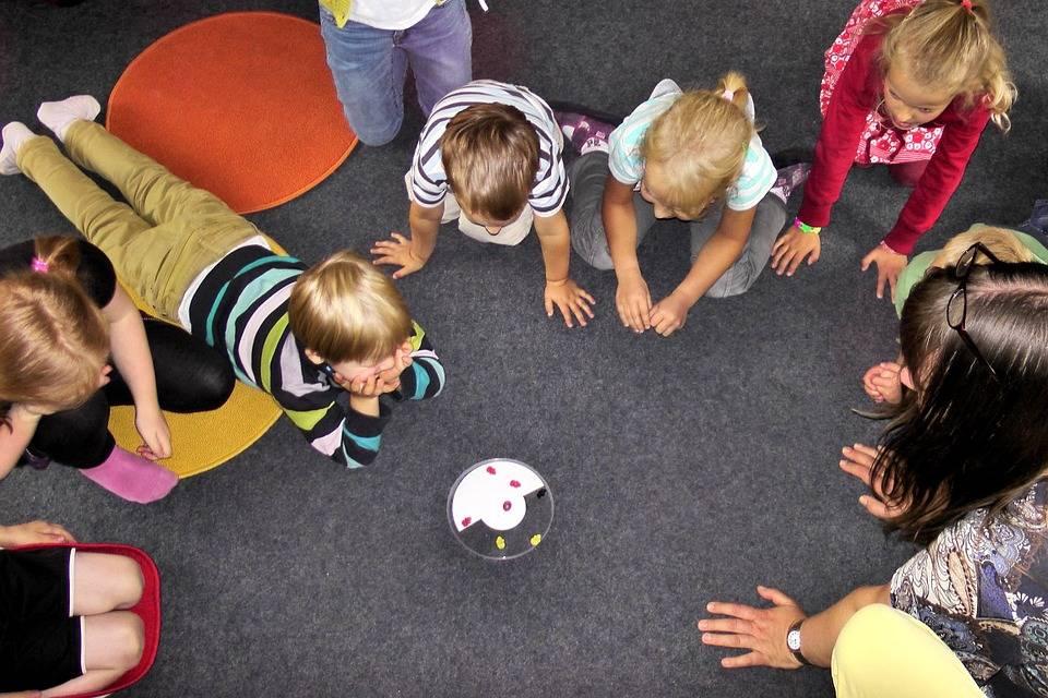 Ritorno in classe in Piemonte: ma i bimbi saranno senza insegnante