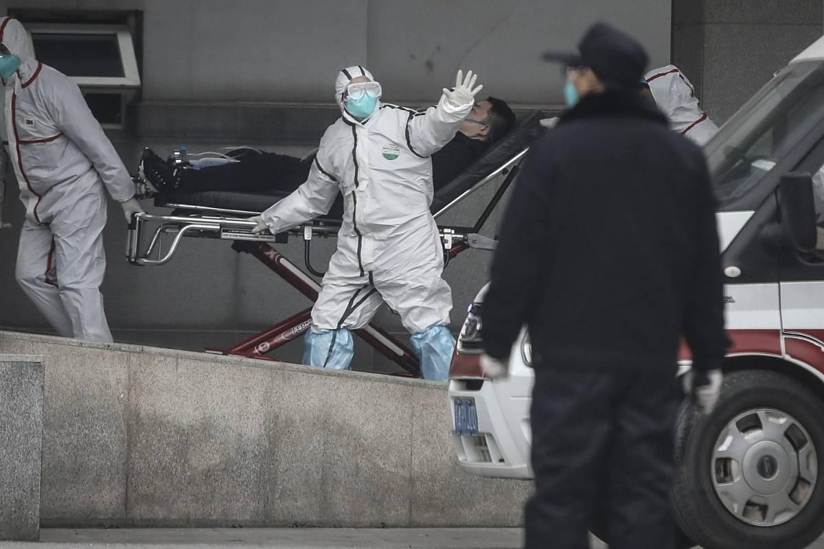 """Cina, il misterioso virus può passare da uomo a uomo: """"Non si esclude l'arrivo in Italia"""""""