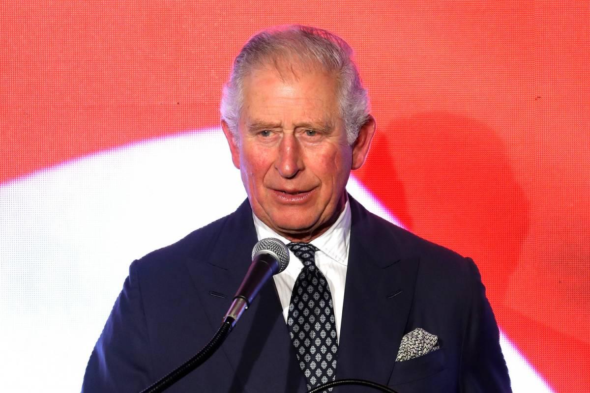 Il principe Carlo snobba Mike Pence e non lo saluta