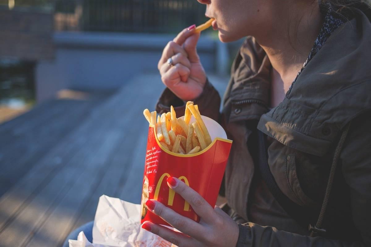 Virus Cina, McDonald's sospende attività nella zona critica