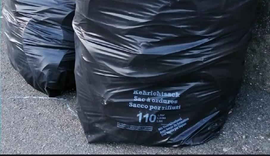 """Quegli svizzeri """"zozzoni"""" che scaricano rifiuti in Italia."""