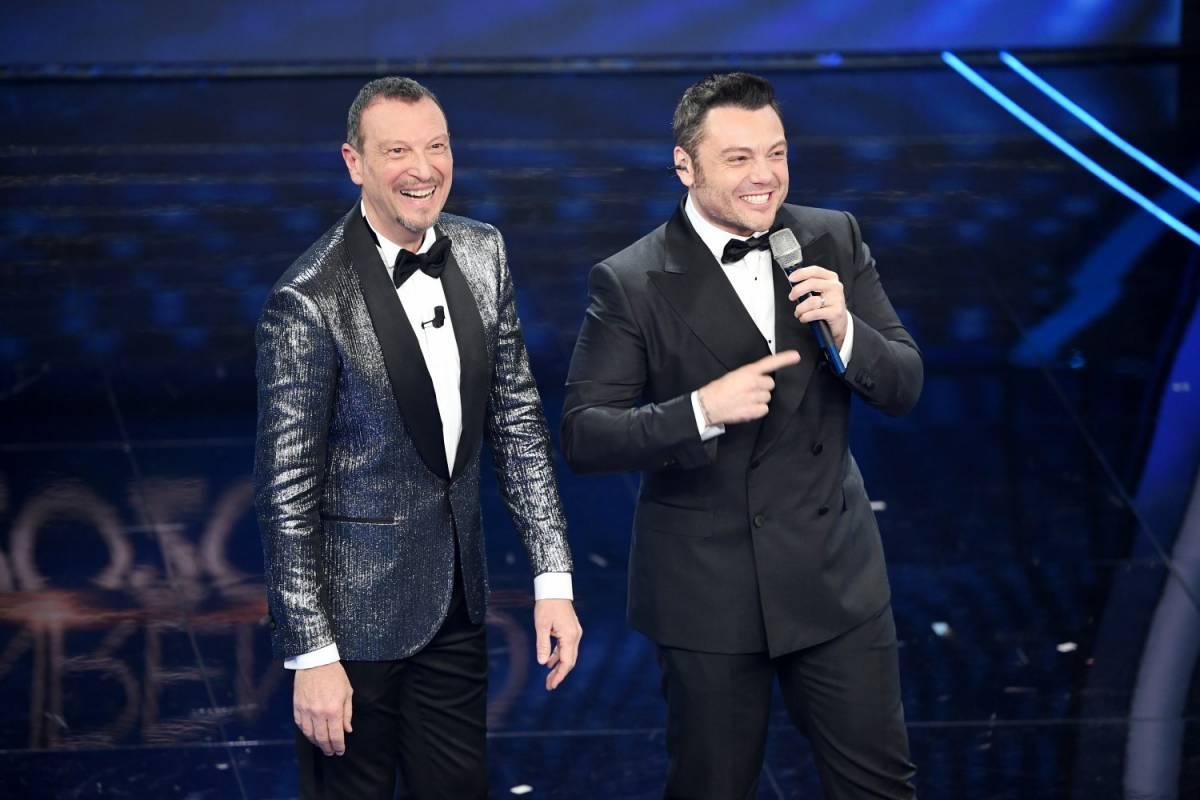 "Sanremo, Amadeus punge Tiziano Ferro: ""Battuta infelice, può capitare"""