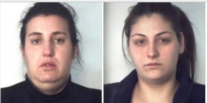 Per disfarsi della droga si facevano aiutare da un bambino di 4 anni: in arresto due donne