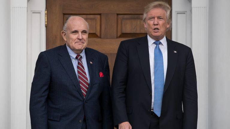 """Usa, nuovo scontro Giuliani-Soros: """"È come un anarchico"""""""