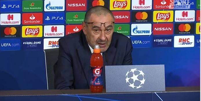 """Coronavirus, Sarri al giornalista francese: """"Avete fatto meno tamponi dell'Italia"""""""