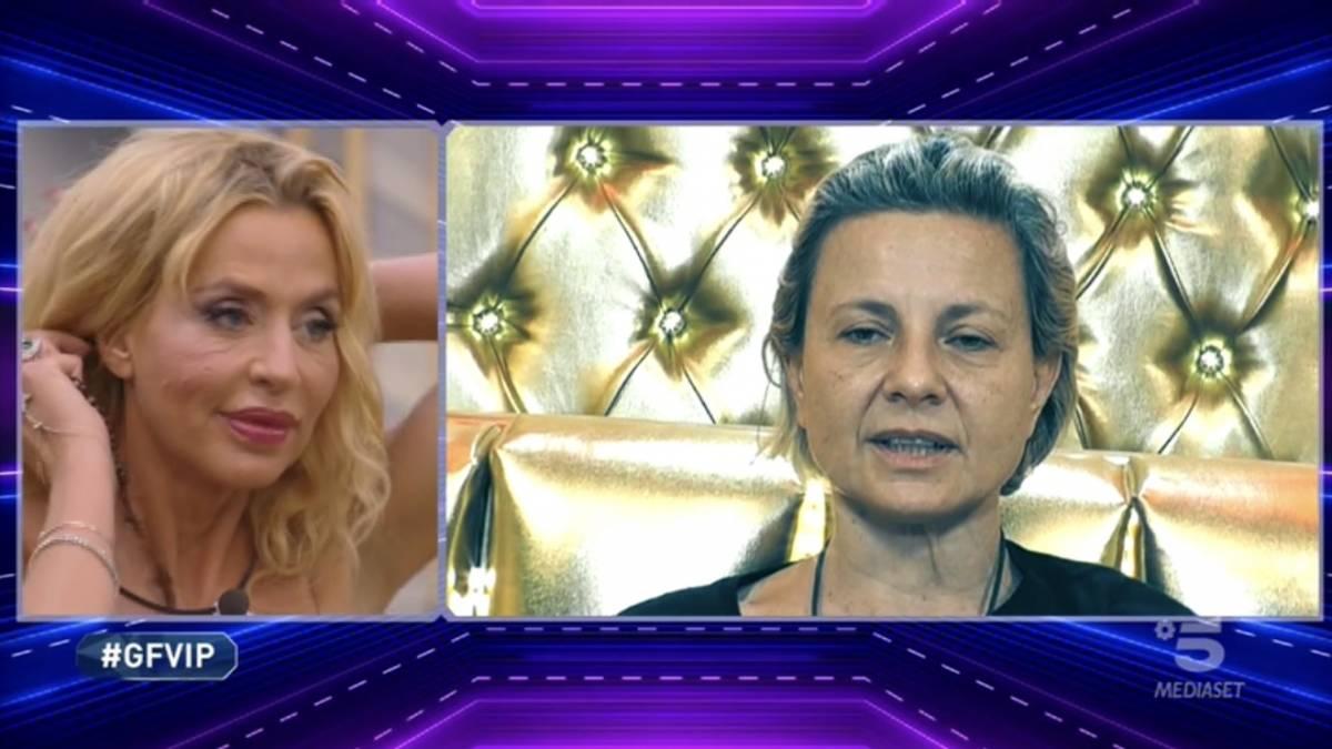 """Gf Vip, Antonella Elia choc contro la Marini: """"È la menopausa che ti rende così?"""""""