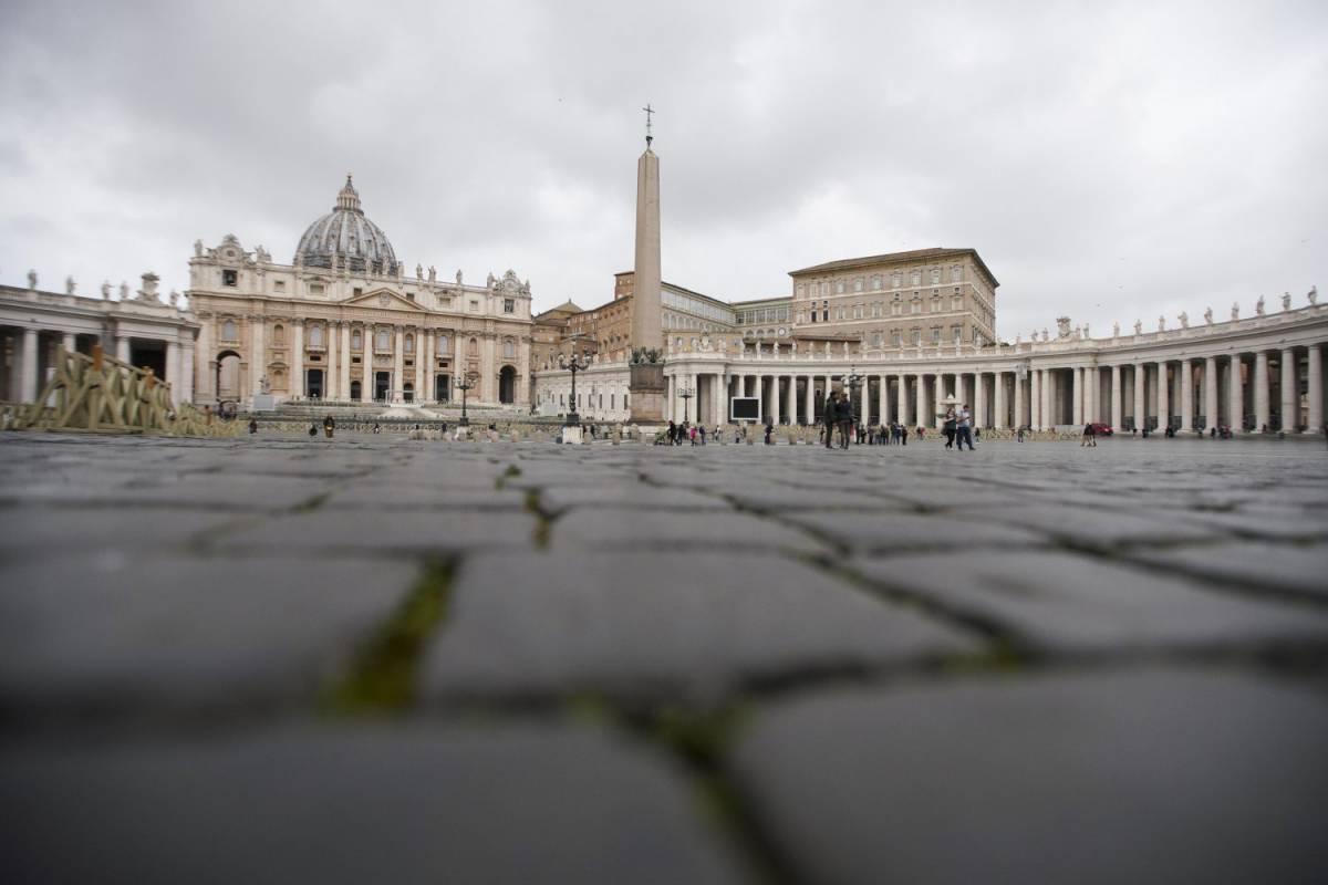Vaticano, tutti i misteri del palazzo dello scandalo