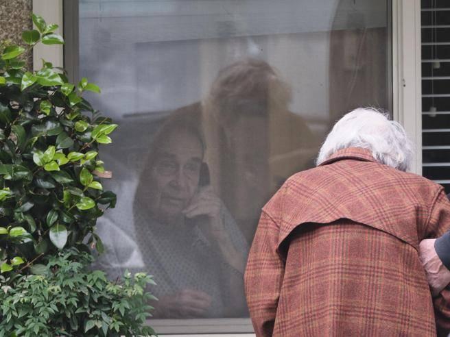 Anziani isolati, il rischio di depressione