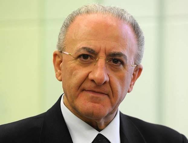 """De Luca non firma l'intesa col governo: """"Conte non scarichi le decisioni sulle Regioni"""""""