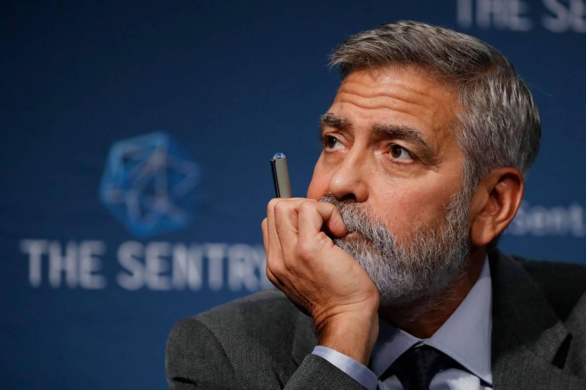 """Ricovero d'urgenza per George Clooney: """"Ha perso 13 Kg in pochi giorni"""""""