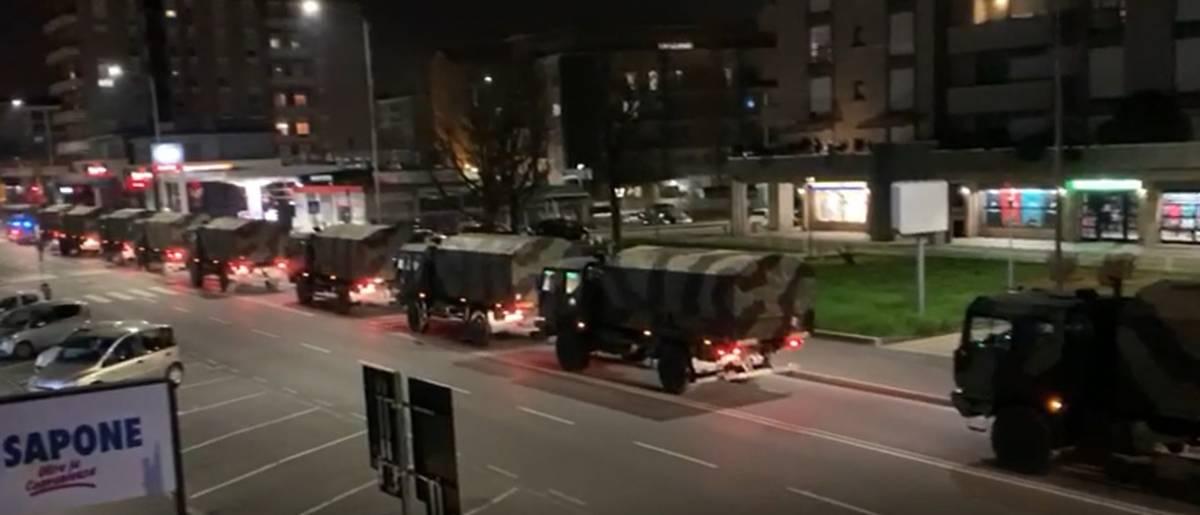 """L'esercito porta via le bare da Bergamo. Salvini: """"Come mille pugni"""""""