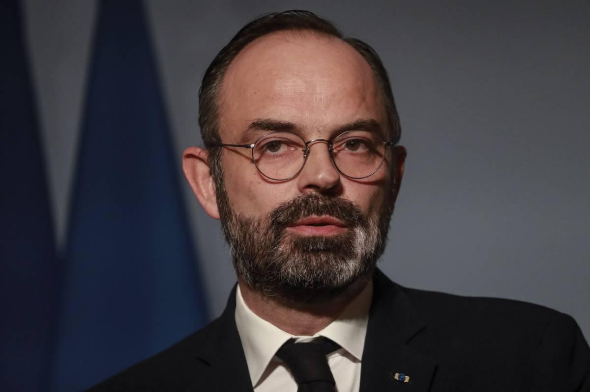 La Francia riapre da lunedì. Anche senza mascherine