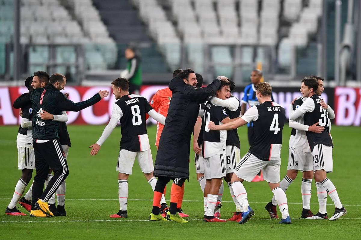 La Juventus taglia gli stipendi a giocatori e allenatori
