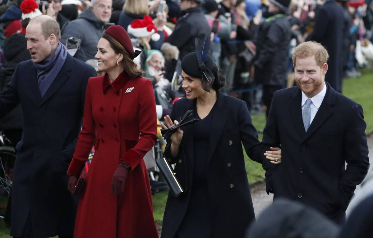 """Il retroscena sul royal wedding: """"Meghan e Kate hanno litigato per un paio di calze"""""""