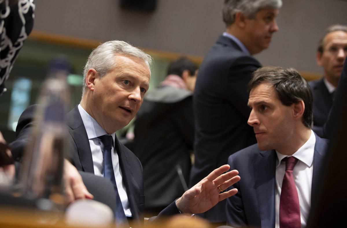 """L'Eurogruppo trova l'accordo: """"Si al Mes, niente eurobond"""""""