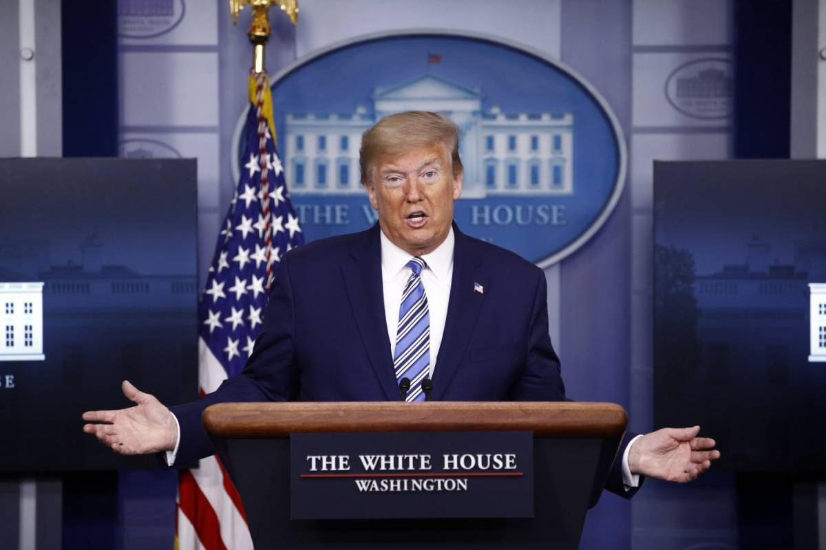 Usa verso il milione di casi. Trump non vede più i media
