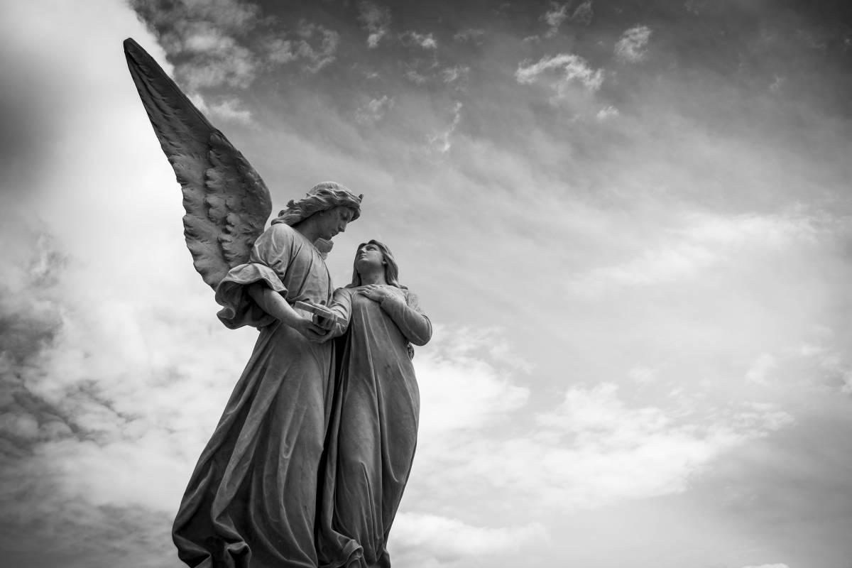 Tra divieti e controdivieti ci serve un angelo