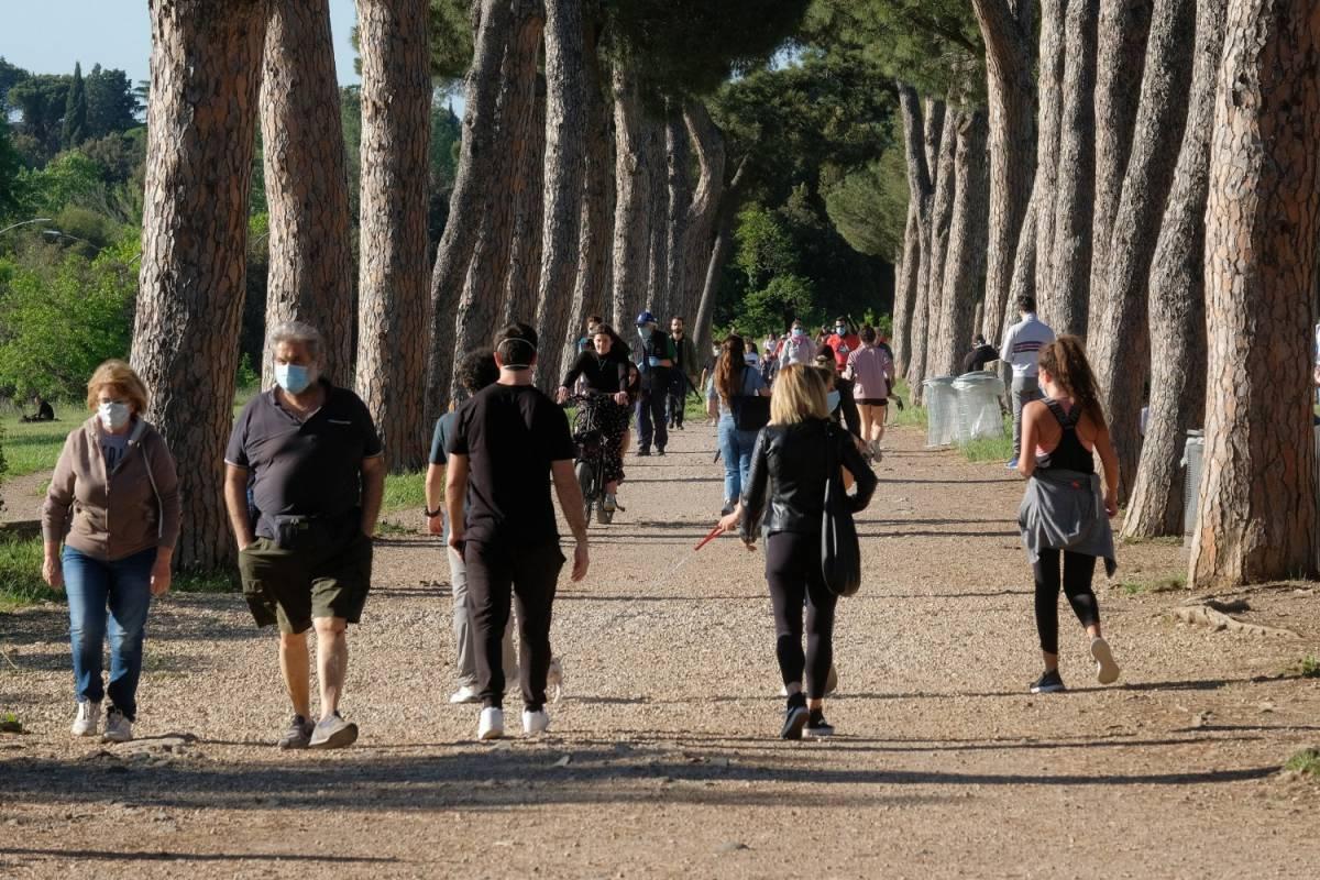 Roma si riscopre disciplinata: niente ressa. A Napoli assembramenti sulla Circumflegrea