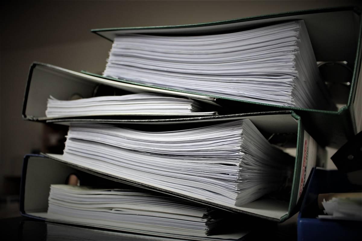 La sola misura davvero utile: sbloccare la burocrazia