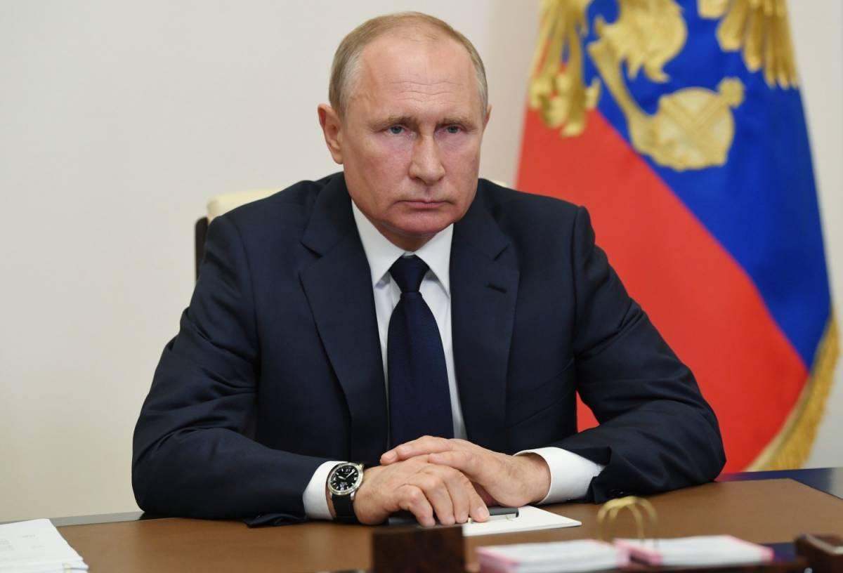 """Boom di contagi, ma Putin allenta. """"È rischioso, non agire lo è di più"""""""