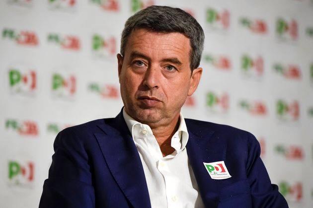 """Orlando va all'attacco:  """"I bonus per le aziende? Solo con sede in Italia..."""""""