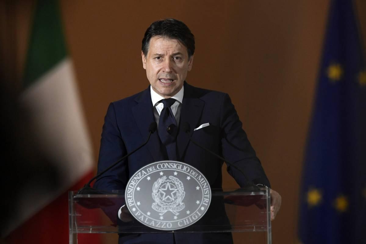 """""""Ritardi ed errori"""". L'Italia è in bolletta ma Conte promette. """"Ora nuovo inizio"""""""