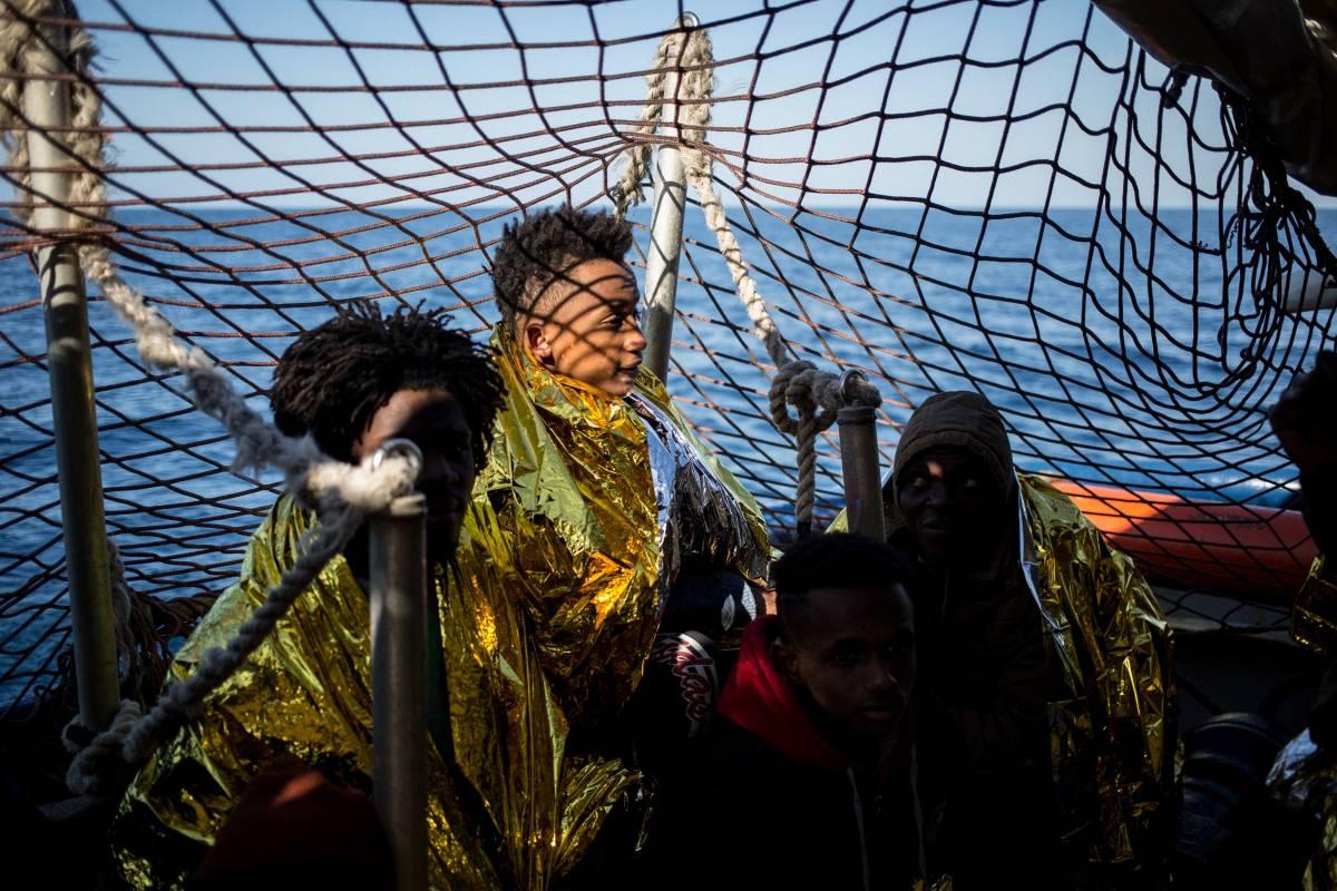 Non si fermano gli sbarchi: 135 migranti approdati a Lampedusa