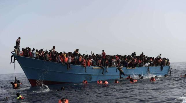 """Lampedusa alza la voce: """"Basta sbarchi dei migranti, l'hotspot va chiuso"""""""