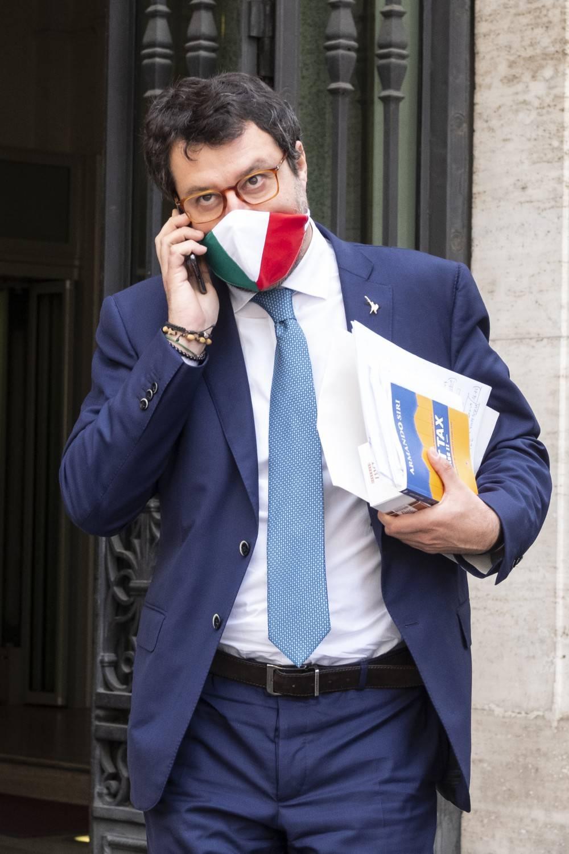 """Salvini blinda squadra lombarda. Voto su Open Arms? """"Rifarei tutto"""""""
