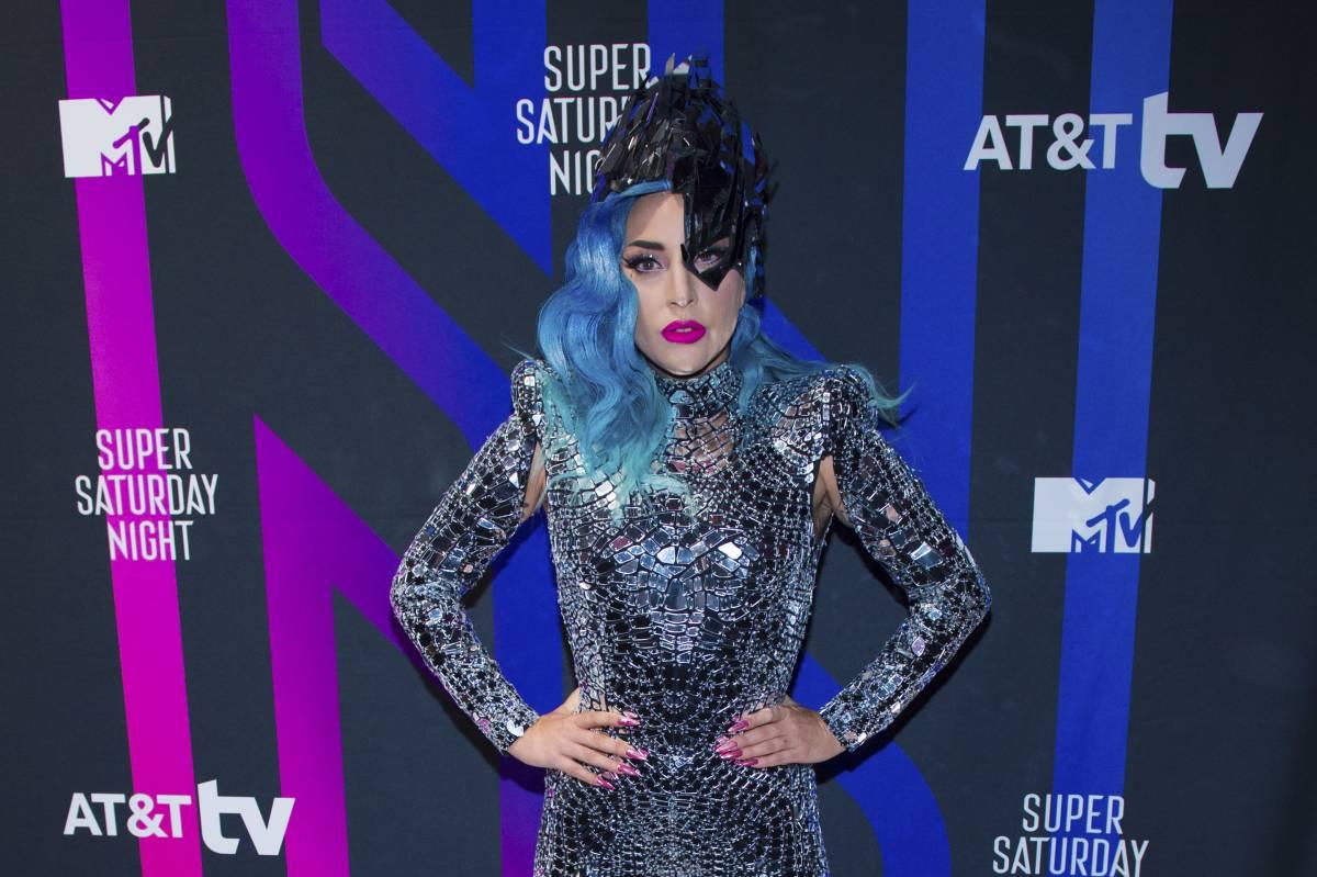 Lady Gaga cambia ancora disco. Molta dance, meno sensualità