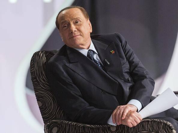"""Berlusconi: """"Governo di salvezza nazionale? Pronto a ragionare su tutto"""""""