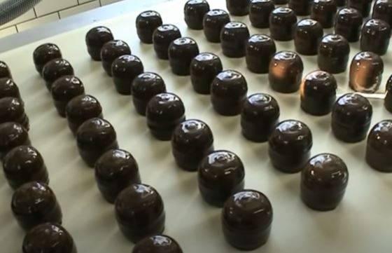 """Supermercati svizzeri bandiscono i cioccolatini """"Moretti"""" dai loro scaffali"""