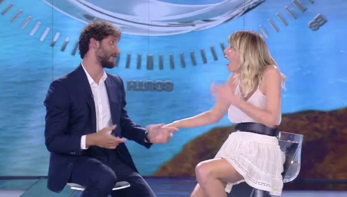 Marcuzzi e De Martino negano il flirt. Ma Belen cita Cocciante come la Marrone nel 2012