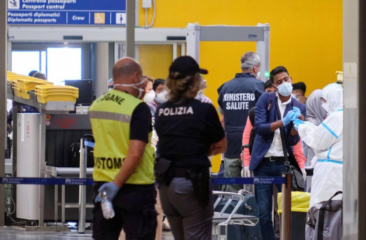 Voli da Doha per evitare i test: l'Italia respinge i bengalesi a bordo